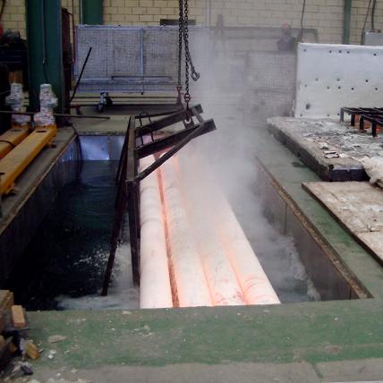 Tratamientos térmicos con hornos fijos o modulares portátiles. Tubos en agua.